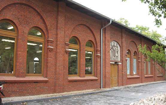 Sala BHP zyskała też odnowione elewacje.