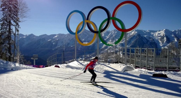 Złamana kość śródstopia, topniejący śnieg, presja i rywalki nie przeszkodziły Justynie Kowalczyk w zdobyciu drugiego w historii złotego medalu olimpijskiego.