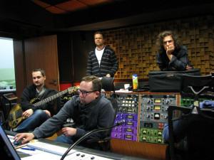 Robert Kubiszyn, Cezary Konrad, Piotr Wójcicki oraz Krzysztof Herdzin w gdańskim Studio Custom 34.