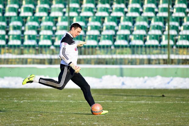 Bartosz Kaniecki liczy, że limit pecha wyczerpał już w bramkarskiej karierze. Wiosną kontuzja zmusiła go do opuszczenia pierwszej drużyny Lechii po czterech, a jesienią zaledwie po dwóch meczach.