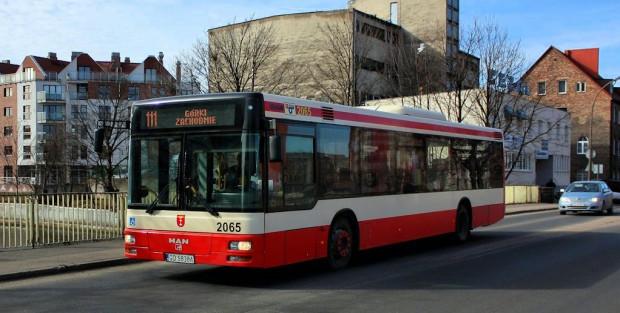 Zakup biletu przez telefon jest szczególnie przydatny w miejscach, gdzie na przystankach brakuje biletomatów np. na Dolnym Mieście w Gdańsku lub w Gdyni i Sopocie.