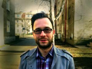 Jarosław Zabojszcz - psycholog, seksuolog, absolwent Szkoły Wyższej Psychologii Społecznej w Sopocie, członek Polskiego Towarzystwa Seksuologicznego.