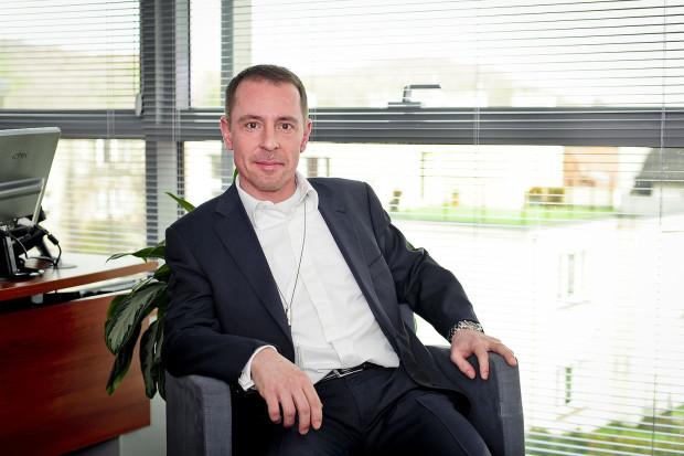 - Vectra jest zainteresowana konsolidacją każdej firmy, która w sposób opłacalny finansowo będzie uzupełniała nasz obecny stan posiadania - twierdzi Rafał Gośliński, dyrektor departamentu sprzedaży i obsługi klienta Vectra SA.