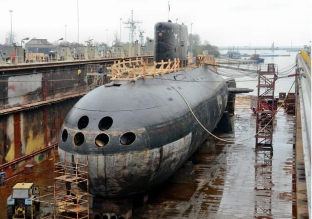 """ORP """"Orzeł"""" jest największą i najmłodszą zarazem polską jednostką podwodną. Okręt zaprojektowany został w radzieckim biurze konstrukcyjnym CKB-18, a zbudowany w stoczni Sudomech w Leningradzie. Do służby wszedł w 1986 roku."""