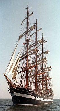 Kruzensztern, drugi największy żaglowiec świata, będzie do środy cumował w Gdyni.