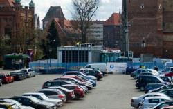 Kontenery zajmą ok. 600 m kw. powierzchni Targu Węglowego. Oznacza to, że znajdujący się tu parking zmieści ok. 40 samochodów mniej.