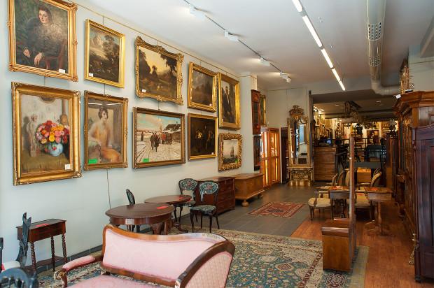Wnętrze jednej z galerii Sopockiego Domu Aukcyjnego.