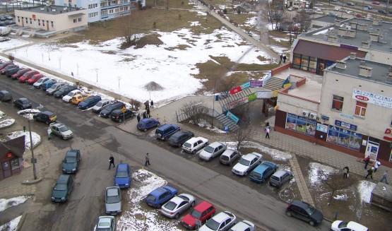 W miejscu trawnika przy ul. Marusarzówny w Gdańsku mogłyby powstać nowe miejsca postojowe.