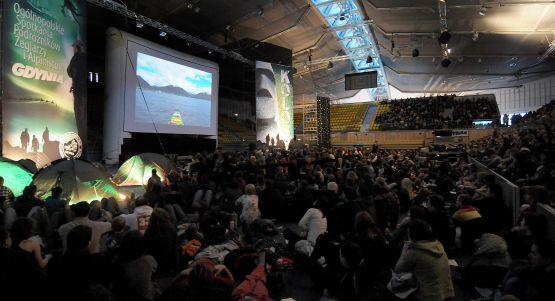 Tylko w sobotnie przedpołudnie w Hali Widowiskowo-Sportowej w Gdyni , opowieści o podróżach oglądało ok. 4 tys. osób.  To kolejny sztandar miasta Gdyni, po festiwalu Opener i Festiwalu Polskich Filmów Fabularnych?