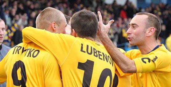 Przemysław Trytko (z lewej) oraz Bartosz Ława (z prawej) strzelili jesienią gole w Lubinie i Arka pokonała Zagłębie 2:0. Czekamy na powtórkę w Gdyni.