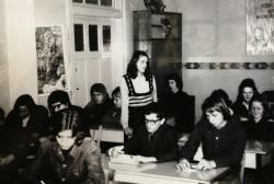 Lekcja w jednej z licealnych sal.