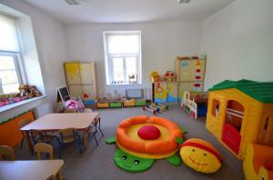 Sale przedszkolne wyposażono w monitoring z możliwością podglądu online.