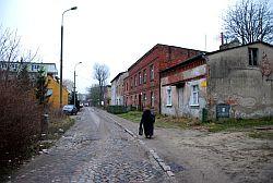 Fragment ulicy Partyzantów, który niedługo zniknie całkowicie podczas budowy trasy Słowackiego.