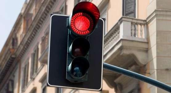 Czy sygnalizatory odliczające czas do zielonego światła odkorkują Trójmiasto?
