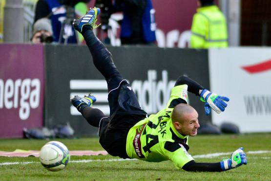 Mateusz Bąk został nominowany do tytułu Najlepszego Bramkarza Ekstraklasy. Jego menedżer podjął rozmowy z Lechią na temat przedłużenia kontraktu golkipera, który wygasa 30 czerwca.