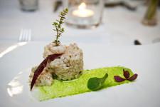 Danie główne w Restauracji Kubicki: Rissotto Gdańskie z kaszy pęczak z szyjkami rakowymi z dodatkiem kaparów