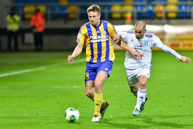 Kamil Juraszek, bez względu na to, na którym miejscu Arka skończy rozgrywki w I lidze, to jeden z największych wygranych tego sezonu wśród żółto-niebieskich. 23-latek, choć wcześniej grał tylko w Młodej Ekstraklasie i III lidze, w Gdyni stał się podstawowym stoperem.