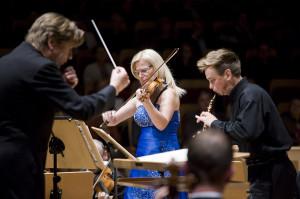 Nie każdy solista może być muzykiem orkiestrowym, ale każdy muzyk orkiestrowy powinien być solistą. Podczas piątkowego koncertu Natalia Walewska oraz Jarosław Wyrzykowski pokazali, że obie te funkcje pełnią znakomicie.