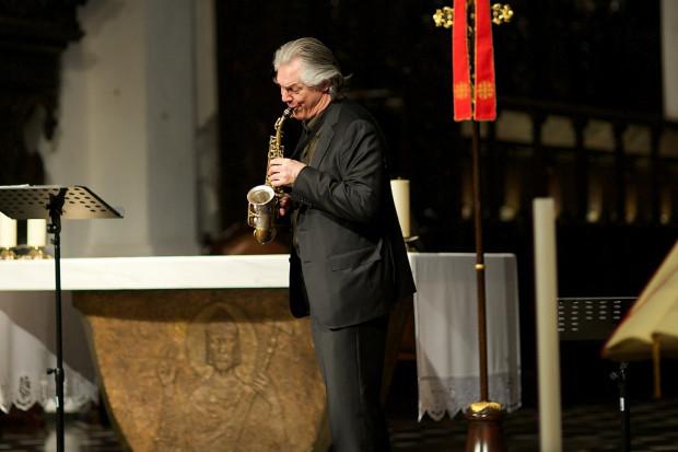 Saksofon Jana Garbarka zmieniał barwy jak kameleon.