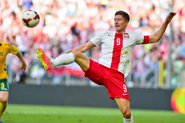 Robert Lewandowski strzelił zwycięską bramkę z karnego, ale  dwóch dobrych okazji na gole nie potrafił wykorzystać.