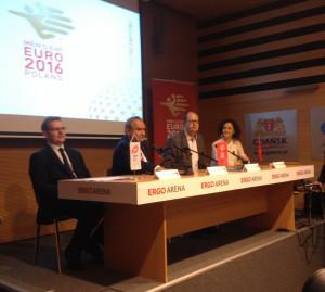 Od lewej: Marcin Herra, Andrzej Kraśnicki, Paweł Adamowicz i prezes Ergo Areny Magdalena Sekuła. Podczas konferencji prasowej wszyscy byli zgodni, że mecze Euro 2016 w Gdańsku będą dużym sukcesem.