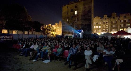 Kino pod Niebem przy kościele św. Mikołaja od lat cieszy się ogromnym zainteresowaniem