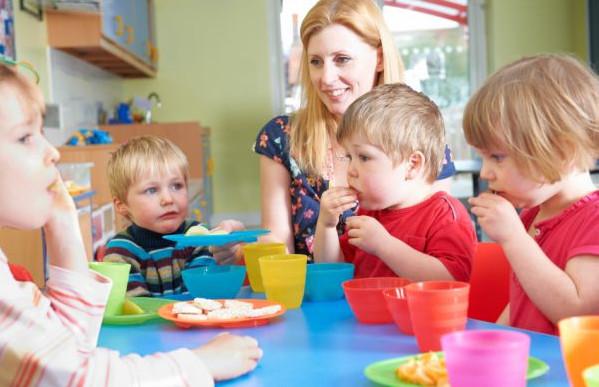 O ile łatwiej jest o miejsce w przedszkolu w przypadku maluchów z nietolerancją glutenu, która wymaga przygotowywania specjalnych posiłków, o wiele trudniej znaleźć placówkę np. dla diabetyka, u którego trzeba monitorować poziom cukru.