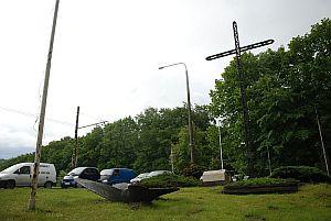 Niemcy nakazali rozbiórkę ufundowany ponoć przez samą królową Marysieńkę kościół św. Józefa w Kolibkach. Dziś w tym miejscu stoi pamiątkowy krzyż.