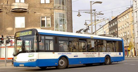 Do pobicia 14-latki doszło w trolejbusie - najprawdopodobniej linii 22. Na atak agresji nie zareagował nikt: kierowca, przechodnie, ani żaden z pasażerów.
