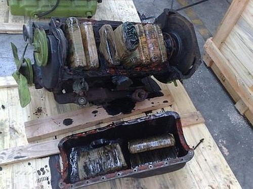 Silniki były wypełnione paczkami z kokainą