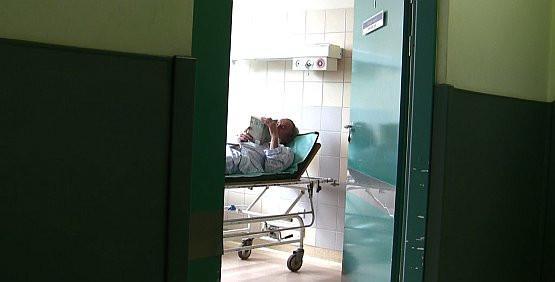 Na salę szpitalną może wejść każdy. Jednak podejrzenia zawsze padają najpierw na personel.