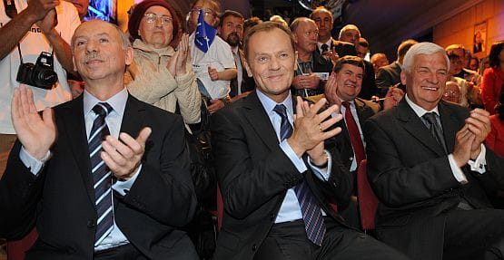 Donald Tusk zdecydował, że to Janusz Lewandowski zostanie polskim kandydatem na członka Komisji Europejskiej. Jeśli faktycznie Lewandowski zostanie komisarzem, jego mandat w Parlamencie Europejskim przejmie marszałek pomorski, Jan Kozłowski.