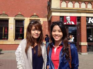 Kelly i Vivianne pochodzą z Tajwanu. Przyjechały na koncert Justina z Katowic, gdzie studiują.