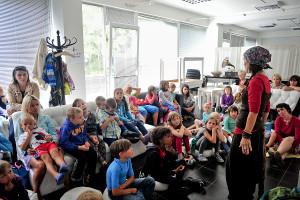 Ważnym elementem imprezy są warsztaty skierowane do najmłodszych. Na zdjęciu warsztaty Księgarni Ambulecja, które w niedzielę, z uwagi na złą pogodę, przeniesiono do Zatoki Sztuki.