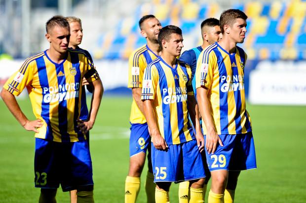 Piłkarze Arki poszli na wymianę ciosów z Miedzią. Skończyło się na 4 golach dla każdej z drużyn.