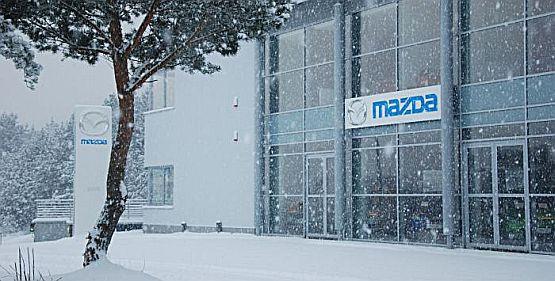 W zimowej aurze otwarto w tym tygodniu w Gdyni największy na Pomorzu salon Mazdy.