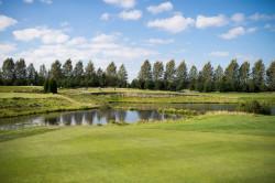 Polskie pola golfowe zachwycają zagranicznych gości krajobrazem i infrastrukturą.
