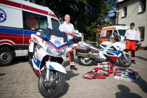 Motocykl ratunkowy, podobnie jak karetka wyposażony jest w odpowiedni, niezbędny do udzielenia pomocy poszkodowanym sprzęt medyczny.