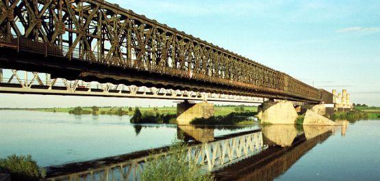 Most przez Wisłę zostanie odnowiony w ramach przebudowy trasy E 65 Gdynia - Warszawa.
