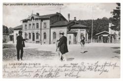 Stara pocztówka przedstawiająca dworzec we Wrzeszczu.