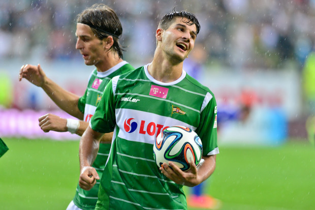 Antonio Colak strzelił już cztery gole w ekstraklasie. Po jego drugim trafieniu w Zabrzu, przy którym asystował Stojan Vranjes (na zdjęciu na drugim planie), Lechia prowadziła w Zabrze 2:1.