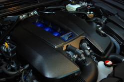 Serce RCF to pięciolitrowy silnik V8. 477 KM bez doładowania.