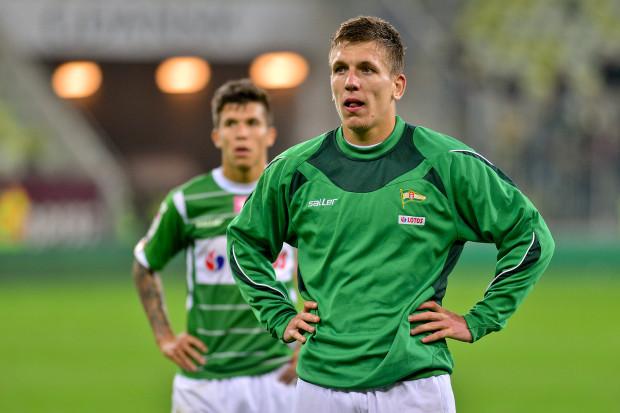 Piłkarze Lechii długo nie mogli uwierzyć, że przegrali z Legią. Po przerwie zdominowali rywala, ale gola nie strzelili, a sami go w końcówce stracili. Na zdjęciu Rafał Janicki i Bruno Nazario (w tle).