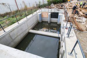 Wody Strzyży będą kierowane prosto w kierunku ul. Kilińskiego i dalej do Parku Kuźniczki lub w prawo do zbiornika retencyjnego i kanału ulgi.