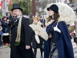 Z roku na rok przybywa na Paradzie Niepodległości przebranych mieszkańców Trójmiasta.