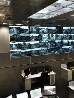 Serce systemu Tristar - Miejskie Centrum Zarządzania Kryzysowego. Tutaj urzędnicy mają podgląd na ulice z kilkudziesięciu kamer.