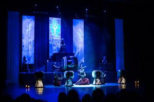 Scenografia, gra świateł, dźwięk, kostiumy czy choreografia  były imponujące.
