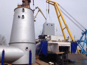 Na terenie gdańskiej stoczni instalowane są specjalne urządzenia tzw. płuczki - do odsiarczania spalin. W 2014 roku płuczki zamontowano już na jednostkach armatorów linii m.in. DFDS i Scandlines.