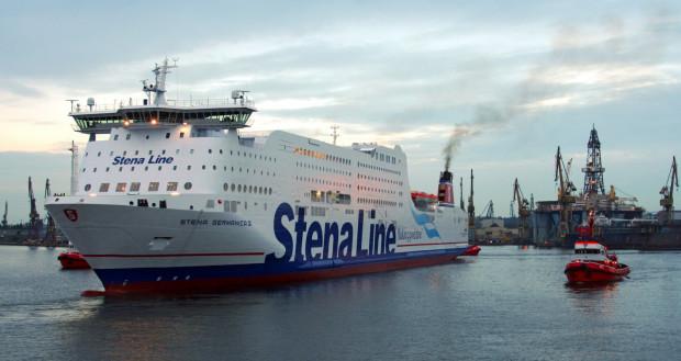 """W Gdańskiej Stoczni Remontowa zmodyfikowany zostanie jeden z czterech działających na promie """"Stena Germanica"""" silników, a trzy pozostałe zyskają nowe instalacje, które umożliwią szybkie dostosowanie ich do metanolu."""