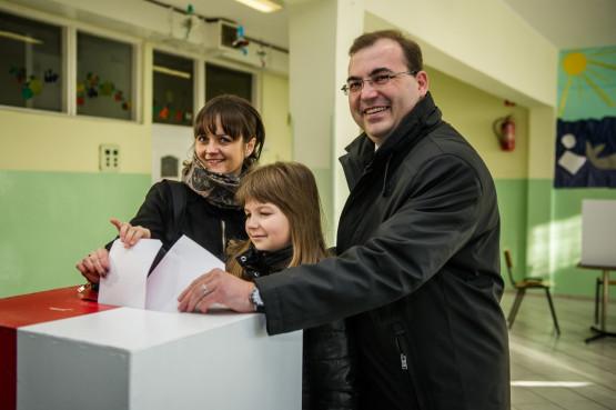 Andrzej Jaworski głosował w południe w Osowej w lokalu wyborczym w Szkole Podstawowej nr 81 na ul. Siedleckiego. Przybył tam w towarzystwie żony Doroty i córki Alicji.